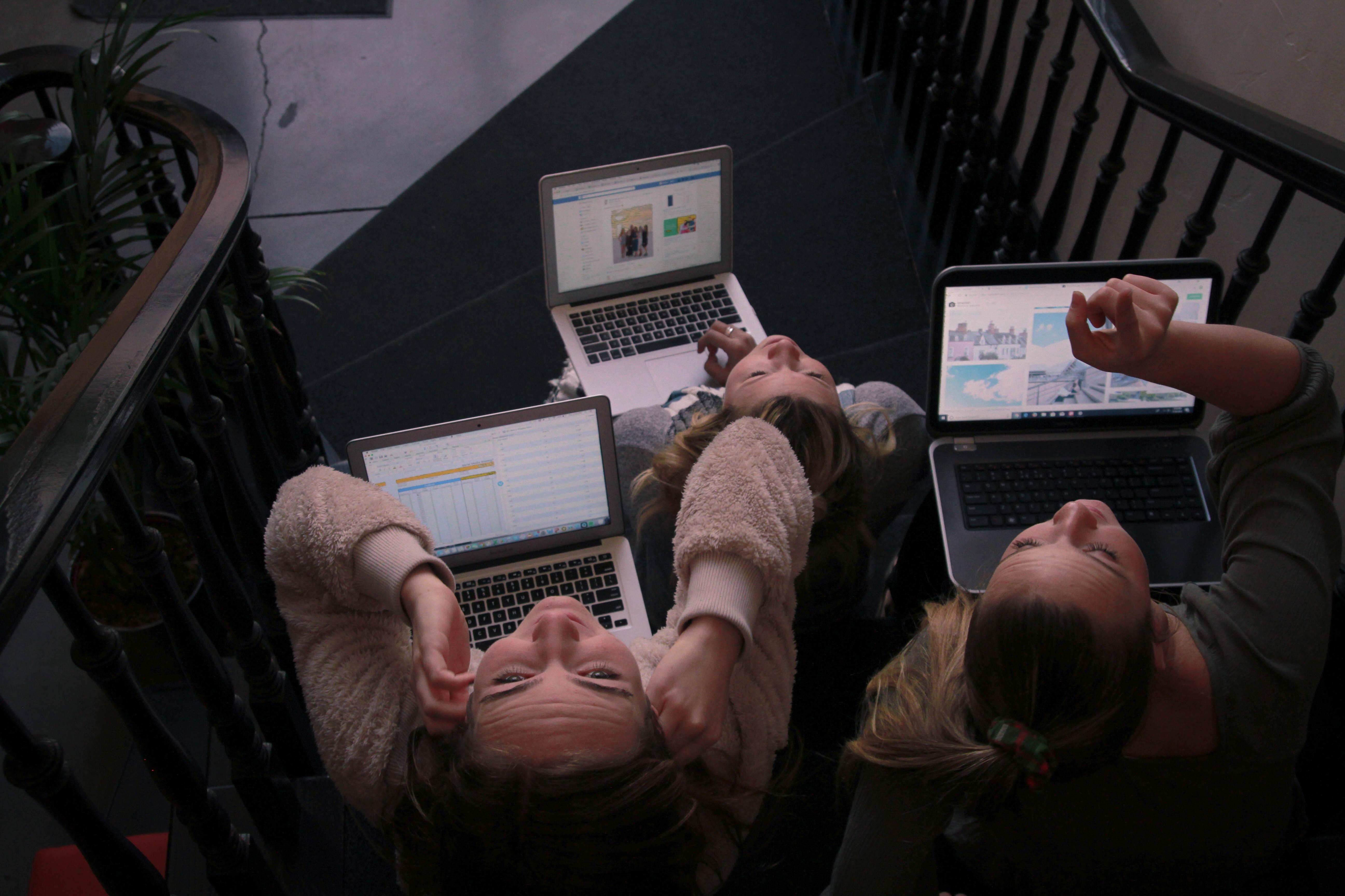 Social Warning: quando l'uso del digitale è etico e consapevole